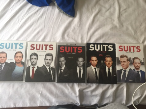Suits bed